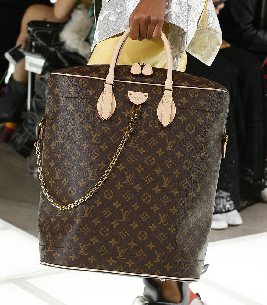 Louis Vuitton S Spring 2018 Runway Bags Went In An Angular