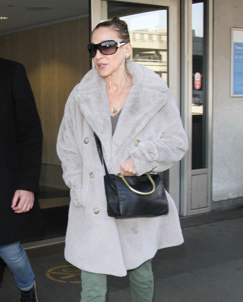 In Review  A Year s Worth of Sarah Jessica Parker s Bags - PurseBlog 5291e6ab86d9c