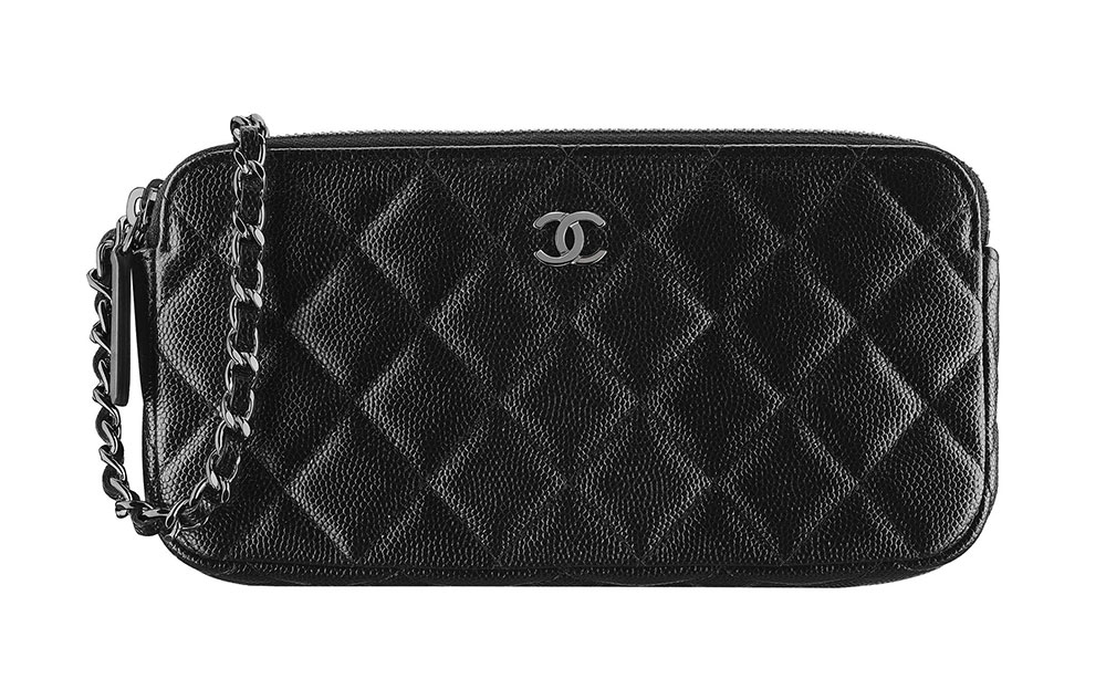 8032900a Chanel-Classic-Clutch-With-Chain-Black-1550 - PurseBlog