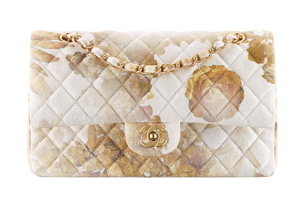 659925773da2 Check Out 100 of Chanel s Ancient Greece-Inspired Cruise 2018 Bags ...