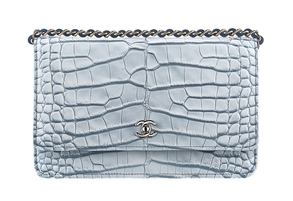 0ea8b757f7 70+ Wallets, WOCs, Accessories from Chanel's Cruise 2018 Collection ...