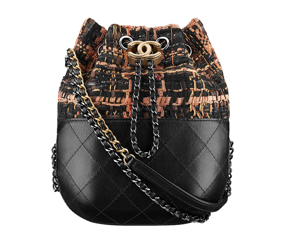 Check Out 100 of Chanel s Ancient Greece-Inspired Cruise 2018 Bags ... 0adf53f1fef2d