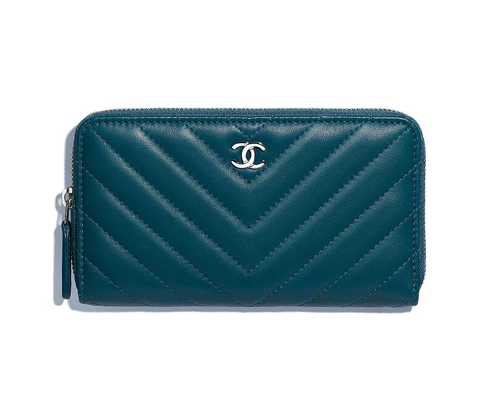 4e61467d74fa5d Chanel-Classic-Small-Zipped-Wallet-Blue-750 - PurseBlog
