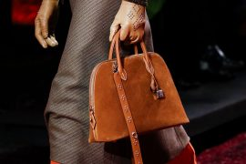 Hermès Went With Autumnal Colors, Exotics and Little Retro Frame Clutches on Its Fall 2018 Runway