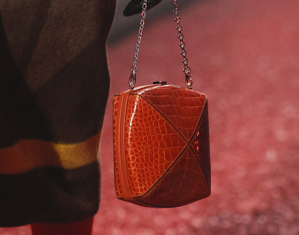 herm u00e8s went with autumnal colors  exotics and little retro frame clutches on its fall 2018