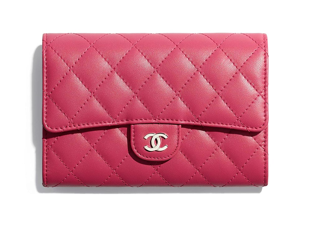 726f075bf8d49c ... 75 never before seen chanel accessories wallets and wocs are now ...