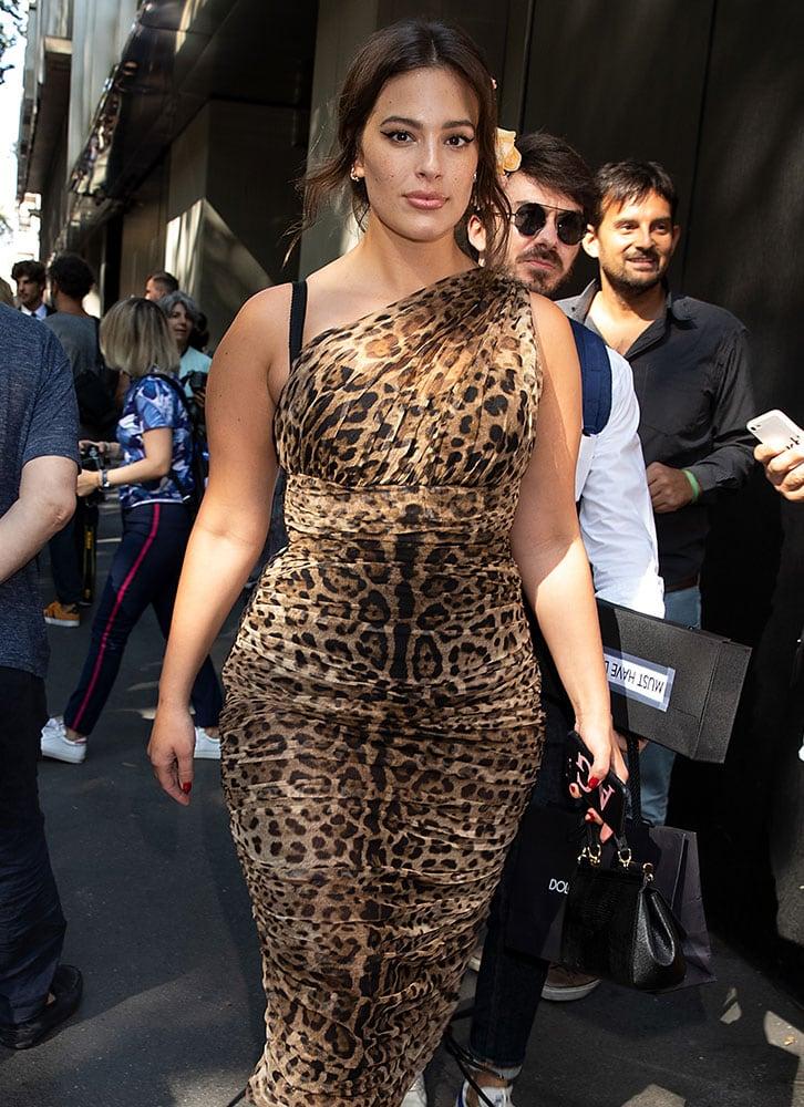 Ashley-Graham-Dolce-and-Gabbana-Sicily-Bag - PurseBlog c11e682089439