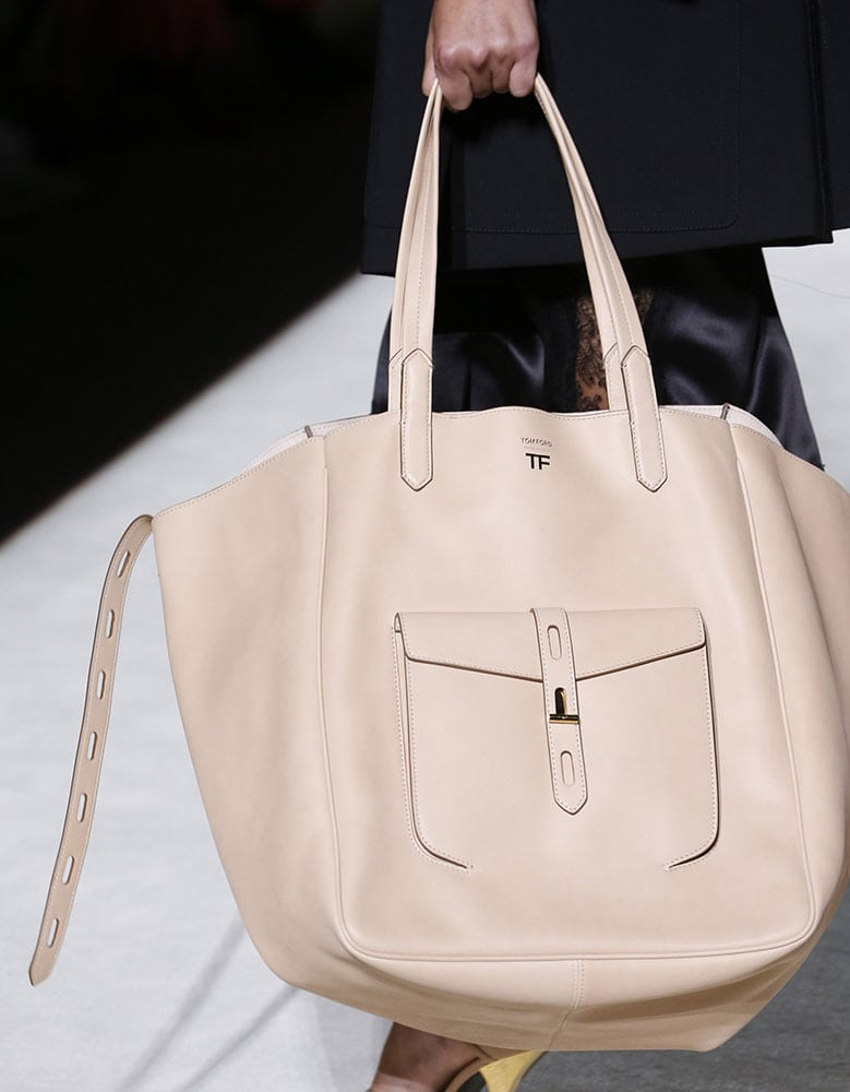 9534316139 Tom Ford s Spring 2019 Runway was Packed With Brand New Bag Designs ...