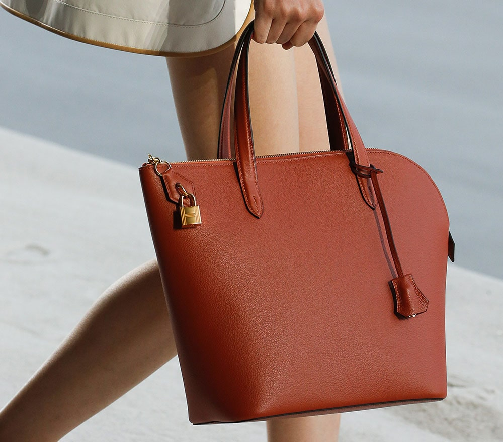 Hermès Explores Its Casual Side with Its Spring 2019 Runway Bags ... 89c423c175e40
