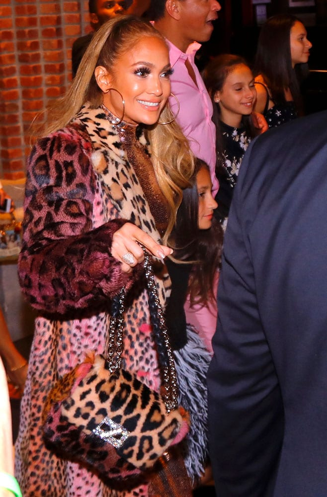 44edf2ad644 Jennifer-Lopez-Tom-Ford-Natalia-Bag - PurseBlog