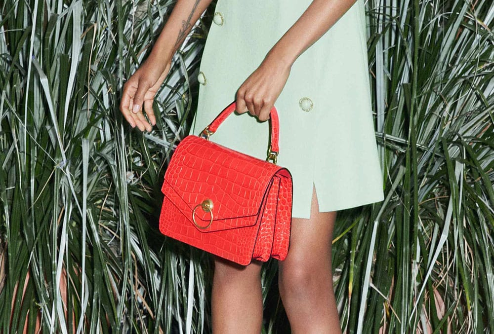 07fe77a6c2 Mulberry's Spring 2019 Lookbook Shows That It's a Bag Brand You ...