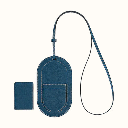 In-The-Loop Phone To Go GM Case in Deep Blue Chèvre