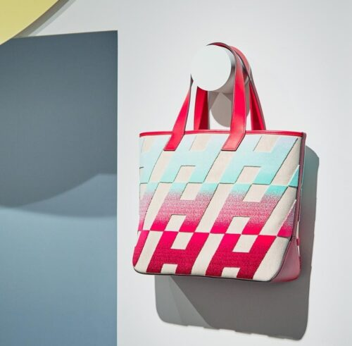 H Tote Bag. Photo courtesy of @Hermes