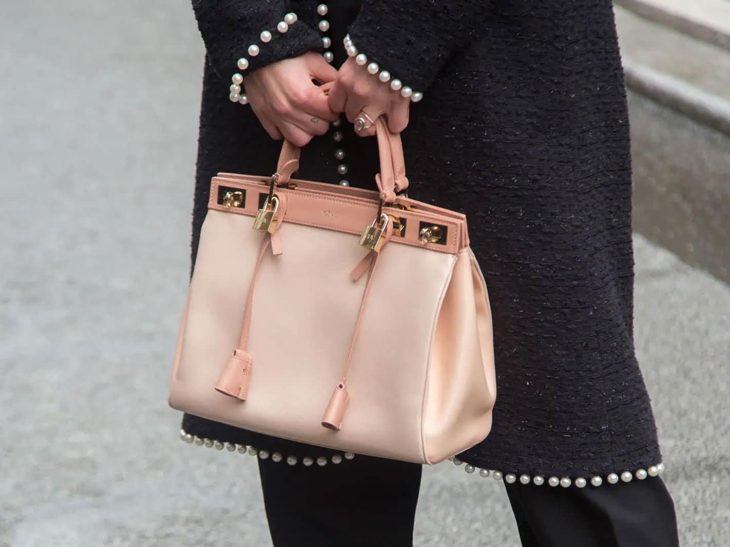 Handbag Ettiquette