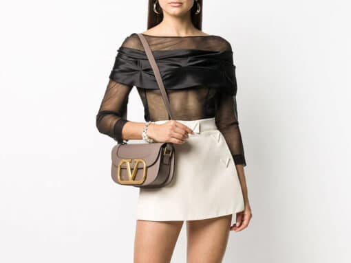 Love It or Leave It: The Valentino Supervee Bag