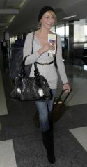 cameron-diaz-burberry-bag1.jpg