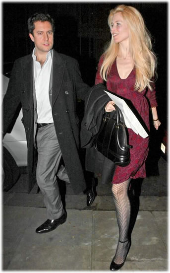 Claudia Schiffer Name That Bag