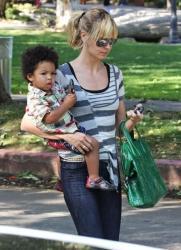 Heidi Klum Givenchy bag4