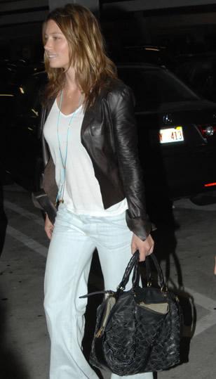 Jessica Biel Style Gryson Woven Olivia Purseblog