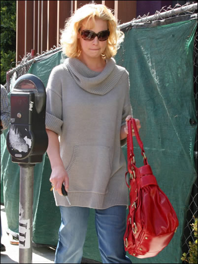 katherine heigl red bag1