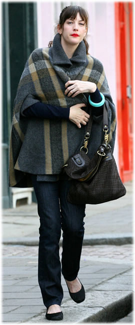 liv tyler name handbag2