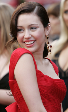 miley-cyrus-80th-oscars.jpg