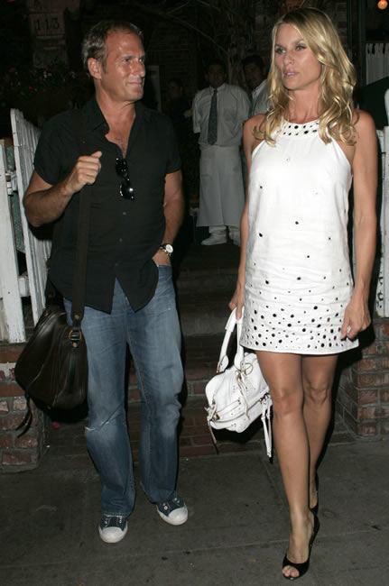 Nicollette Sheridan and Michael Bolton: Name that Bag ...